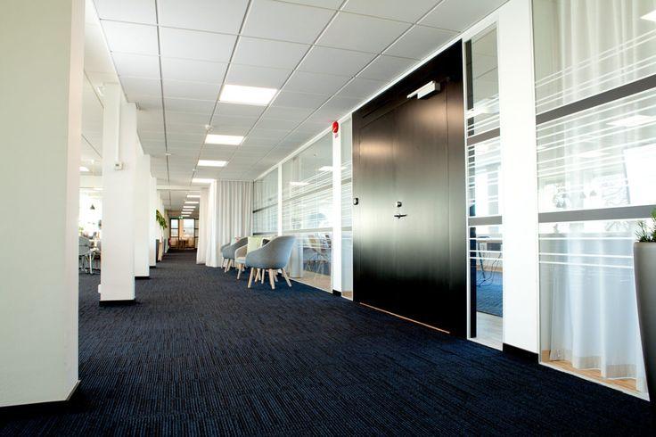 FLEX FRAMELESS och FLEX GLASSLINE En portallösning med krav på ljud, brand och modern design.