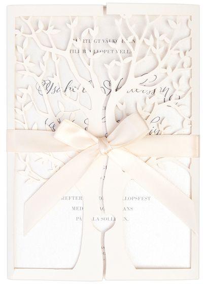 Tree of Love wedding invitation from Calligraphen #inbjudningskort #inbjudan #bröllopskort #träd #laserskuret #satinband #sidenband #hjärta #bröllop #bryllup #invitasjoner