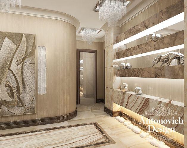 Мраморный пол, хрустальные люстры, панно на стенах и стильный декор - корридор в стиле арт-деко всегда будет стильным и изысканным.