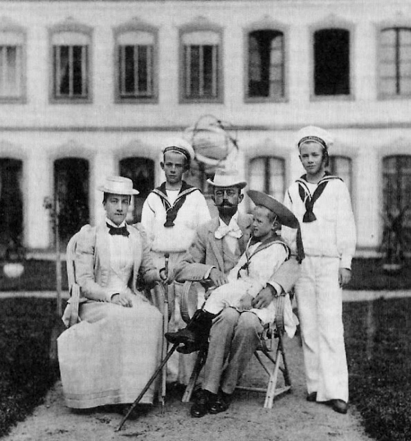 The family of King Gustav V and Queen Victoria of Sweden, from left: Queen Victoria, Prince Vilhelm, King Gustav with Prince Erik, Crown Prince Gustav Adolf