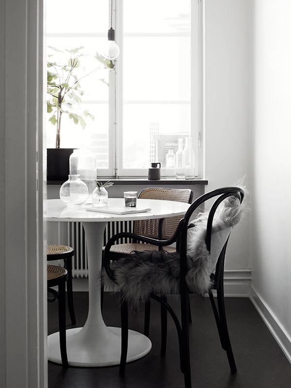 The monochrome space of Annie Lindgren. Pella Hedeby/ Kristofer Johnsson.