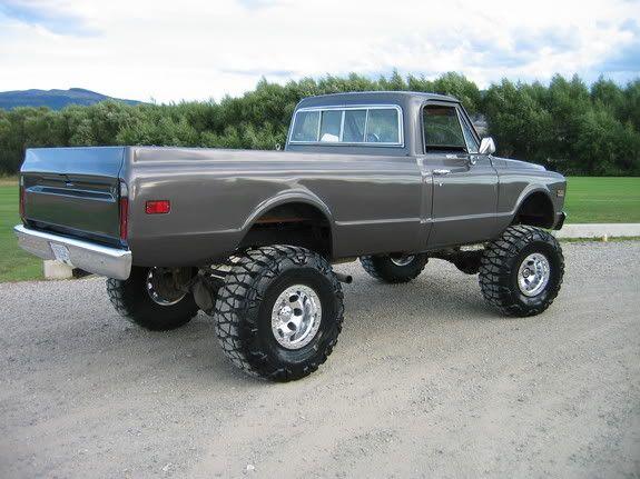 70's Chevy 4x4 pickup