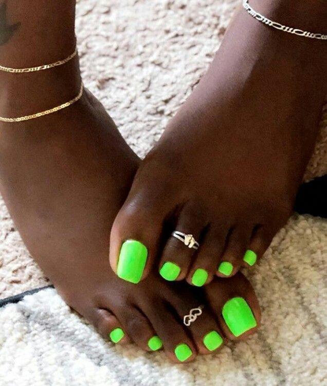 pretty dark skin feet