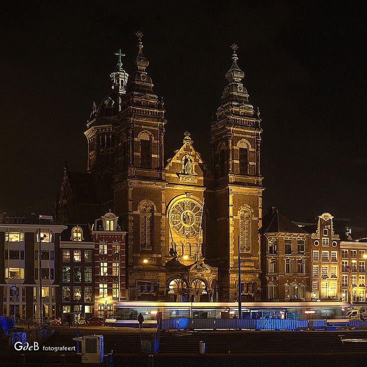 @night...Sint Nicolaaskerk - #GdeBfotografeert