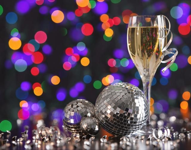 Find New Years Eve celebrations in the Washington, DC area, including parties and events to ring in the New Year in Washington DC, MD and VA.