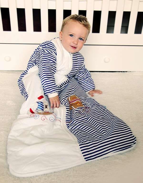 15 Idees Pour Garder Bebe Bien Au Chaud Cet Hiver Sacs Couchage De Bebe Horaire De Sommeil De Bebe Bebe Hiver