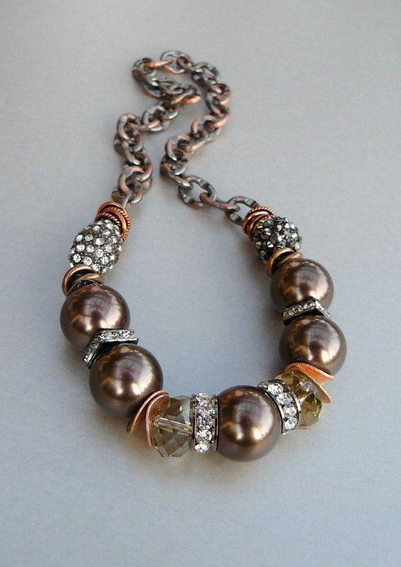 Chunky necklace.