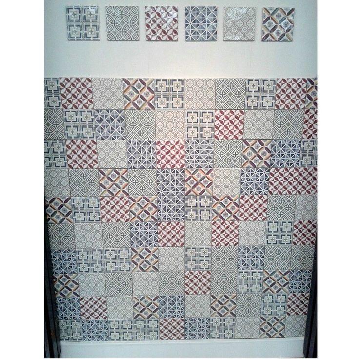 Kjøp VEGGFLISER PATCHWORK MIKS 13,2X13,2 CM 57 STK. / 1 M² online hos BAUHAUS.  Veggfliser patchwork miks 13,2x13,2 cm 57 stk. / 1 m² Lekre og særegne veggfliser som dekorer både kjøkken og/eller baderom. Flisene måler 13,2 x