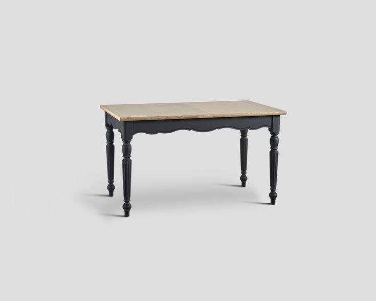 Tavolo rettangolare allungabile base laccata e cerata a pennello color Lavagna. con top in rovere finitura Vintage Chiaro.