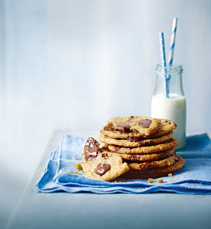 Make no mistakes with this easy-to-follow chocolate chip cookie recipe. All you need to decide is how many chocolate chips is too many…