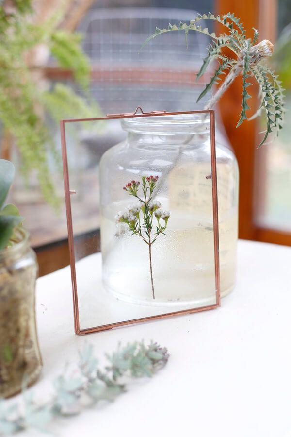 DIY Cuadro de vidrio con hojas y flores