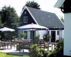 De Waal mag dan een klein dorp zijn maar groot in  culinaire verrassingen: Brasserie Rebecca De Waal - Meesterkok Michel Arends . pure keuken, zuivere smaken.