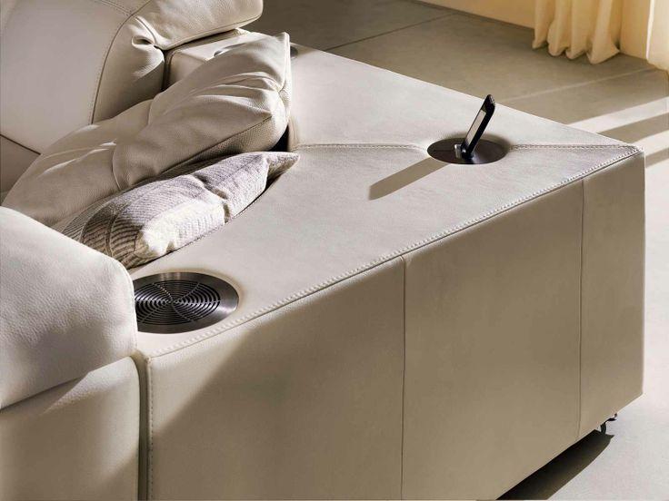 Docking station del nostro divano 'Surround'! Offre un'esperienza multi-sensoriale di assoluto relax...  http://www.divaniedivani.it