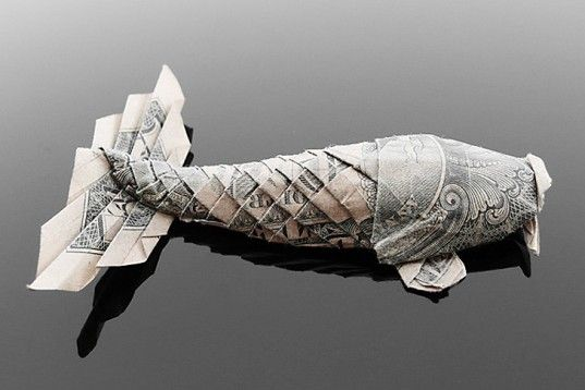 transforms spare dollar bills into amazing examples of origami art. From animals to flowers, humans and other objects, check out these incredibly intricate miniature works of art folded using the ancient Japanese technique.    Read more: Craig Folds Five Manipulates Money into Amazing Origami Art Craig Folds Five money origami – Inhabitat - Green Design Will Save the World