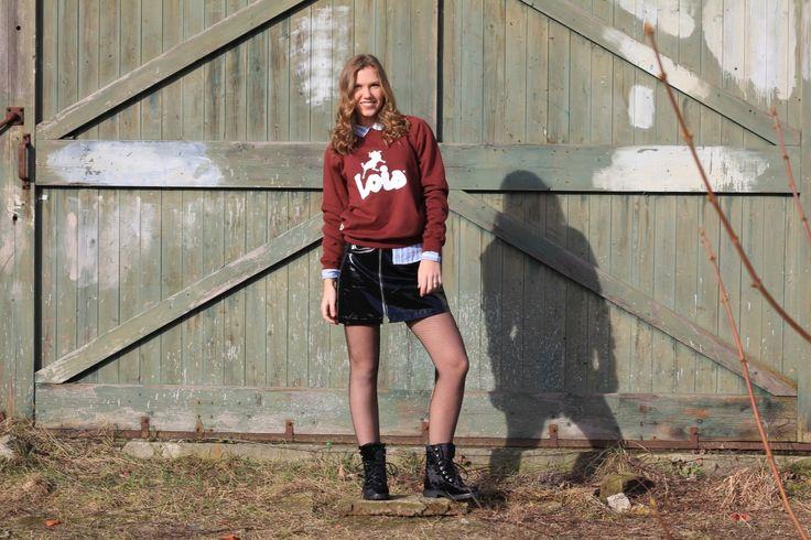 Deze velvet veterlaarsjes zijn van Shoecolate , via webshop sooco, en zitten echt super lekker! Je kunt er echt dagen op lopen! http://fabledet.com/fashionfab/outfit-of-the-day-lois-sweater/