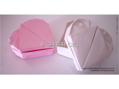heart shaped box (design: Robin Glynn)  #heartbox #box #origami #galeriaozu #indaiatuba #saopaulo #paperfolding #folding #origamiart #origamidecor #paper
