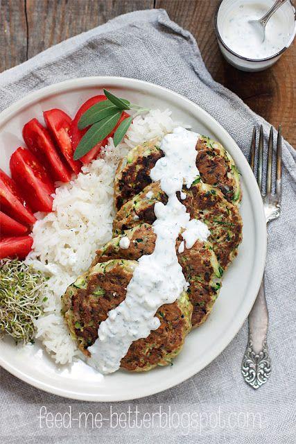Feed Me Better: Placki z cukinii i tuńczyka.