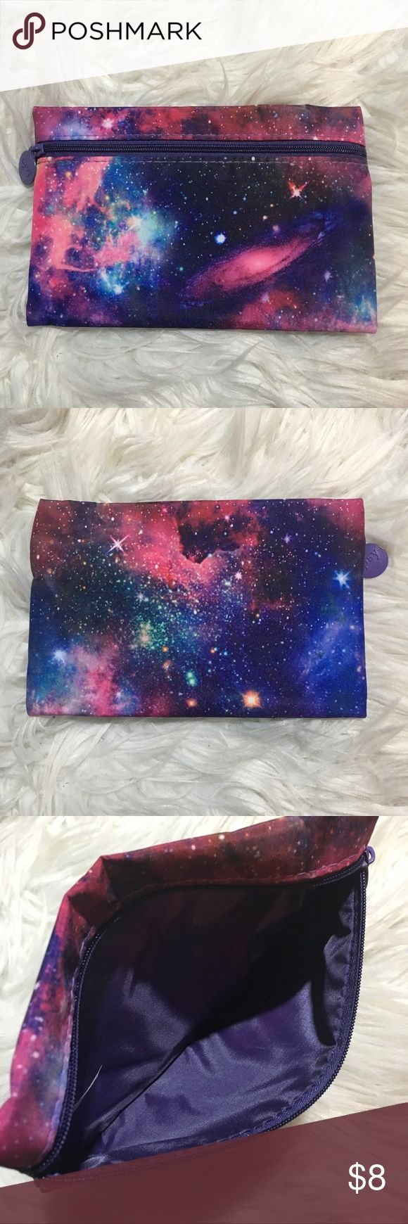 Ipsy Makeup Bag Galaxy printed makeup bag. In great condition!   🌼Bundle with other makeup bags listed in my closet to save money!!🌼 Ipsy Bags Cosmetic Bags & Cases