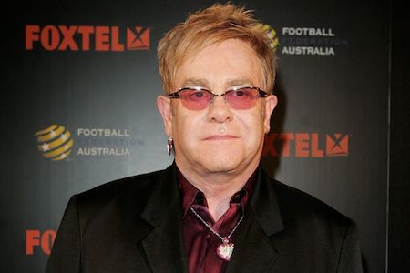 """Huyền thoại âm nhạc Elton John từng có lần thẳng thắn chia sẻ với báo giới rằng ông không hề có ý định để lại tài sản cho con cái vì không muốn """"huỷ hoại cuộc sống của các con"""" bằng cách ném tiền cho chúng. Ngôi sao 70 tuổi cho biết: """"Các con tôi sẽ sống những cuộc đời phi thường, vì chúng...  http://cogiao.us/2017/04/30/nhung-ngoi-sao-noi-khong-voi-chuyen-cho-con-thua-ke-tai-san/"""