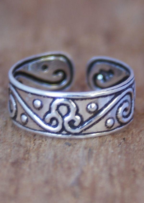 Karma East - Silver Ornamental Toe Ring