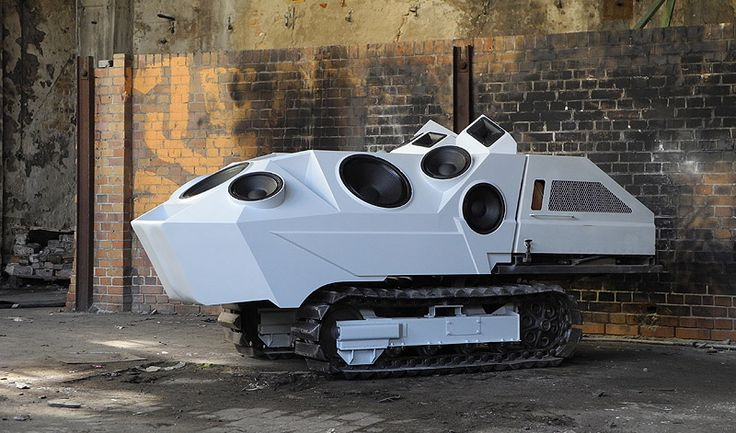 """""""Panzer"""" (2011), a menacingly beautiful beast that transforms ambient noise into intoxicating soundtracks, by Berlin based artist Nik Nowak."""
