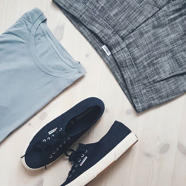 Outfit from above ☁️ @loowcph @filippak_man @supergascandinavia    #menswear #mensfashion #mensclothing #mensstyle #ootd #streetstyle #streetwear #outfitgrid #outfitfromabove #menwithstyle #vscocam #vscogood #hbouthere #snobshots #pauseshots #mensfashionpost #styleguide #fashionpost #mensstyleguide #dailystyle #dailyfashion #fashionformen #ootdmen #simpleoutfit #mensoutfit #wiwt #stylishmen #mensweardaily