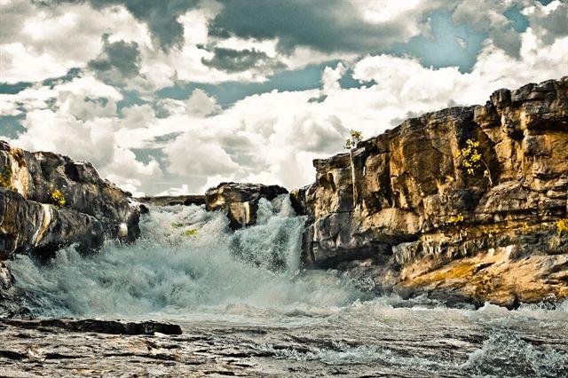 GODAVARI RIVER WATERFALL