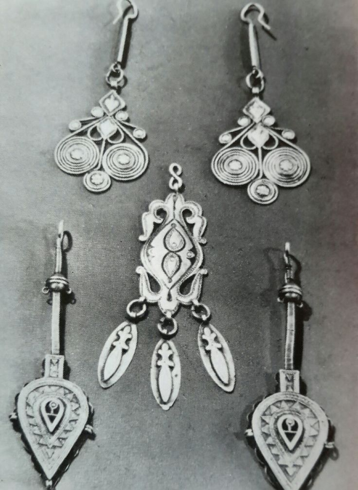 Казахские серебряные серьги.