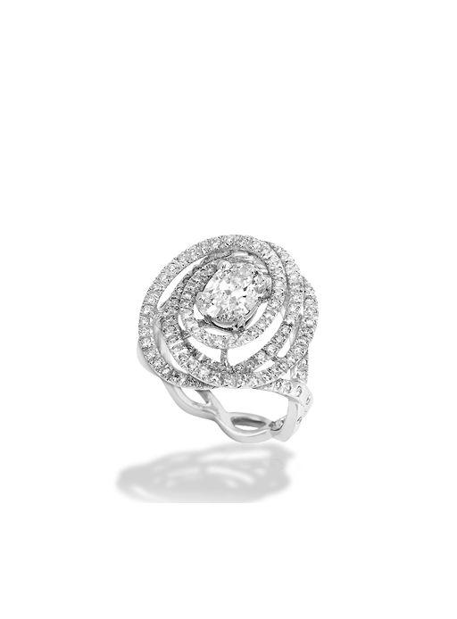 Chanel - Sortija 1932 en oro blanco de 18 quilates y diamantes.