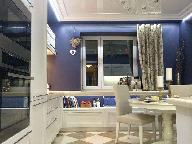 кухня сливовые стены