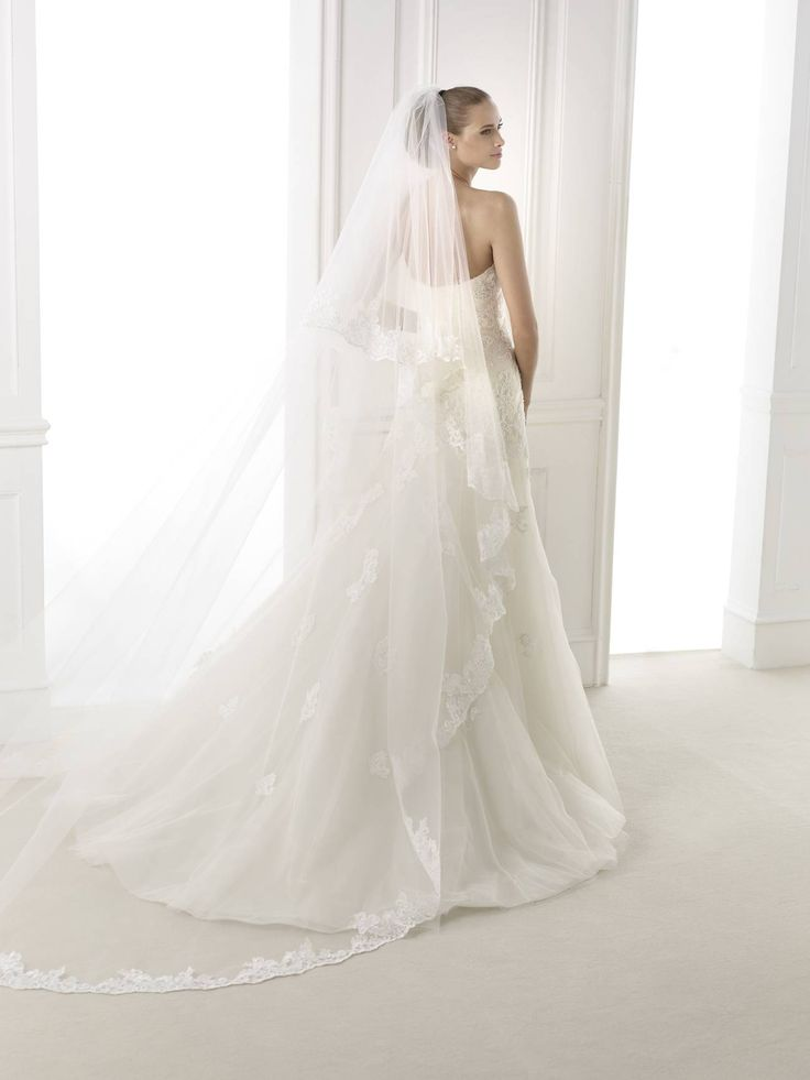 Pronovias Bimba esküvői ruha http://lamariee.hu/eskuvoi-ruha/pronovias-pre-collection-2015/bimba