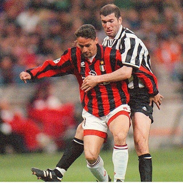 Roberto #Baggio y Zinedine #Zidane. #Milan #Juventus #Calcio #futbol #soccer #football #deporte #sport #legends