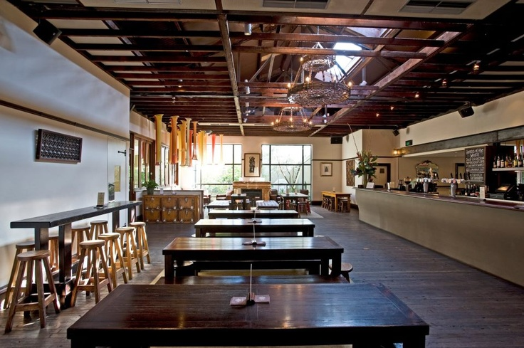 3 Weeds Hotel and Restaurant in Rozelle offers a space to suit everyone. It includes an award winning restaurant and bistro, The Lounge, Wine Bar, Back Bar and traditional Front Bar.