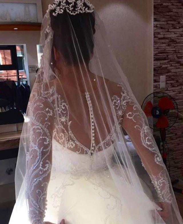 Detaylar 😍😍😍bride #bridal #weddingdresses #luxurywedding #couturewedding #wedding #dügün #dantel #gelin #gelinlik #lace #abiye #bruiloft #bruidsjurk #galajurk #handmade #custommade #arabweddings #abudhabi #kuwait #doha #dubai #belcika #almanya #hollanda #laperless
