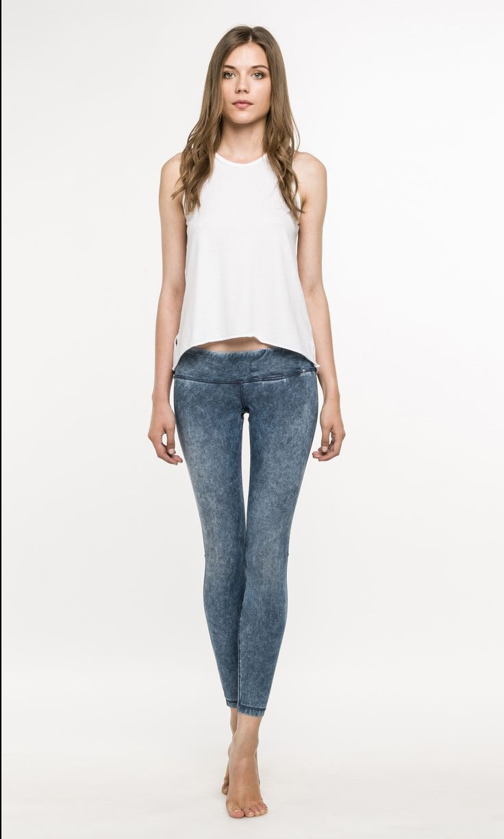 JEGGINGS HYPERSKIN: Super tight yoga-inspired shape. Super-shaped fit and holding fit capacity even in case of an intense multiuse (as gym, yoga etc). Wash: marble.