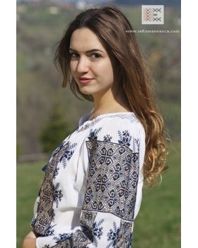 Lovely hand embroidered Bohemian top - worldwide delivery!