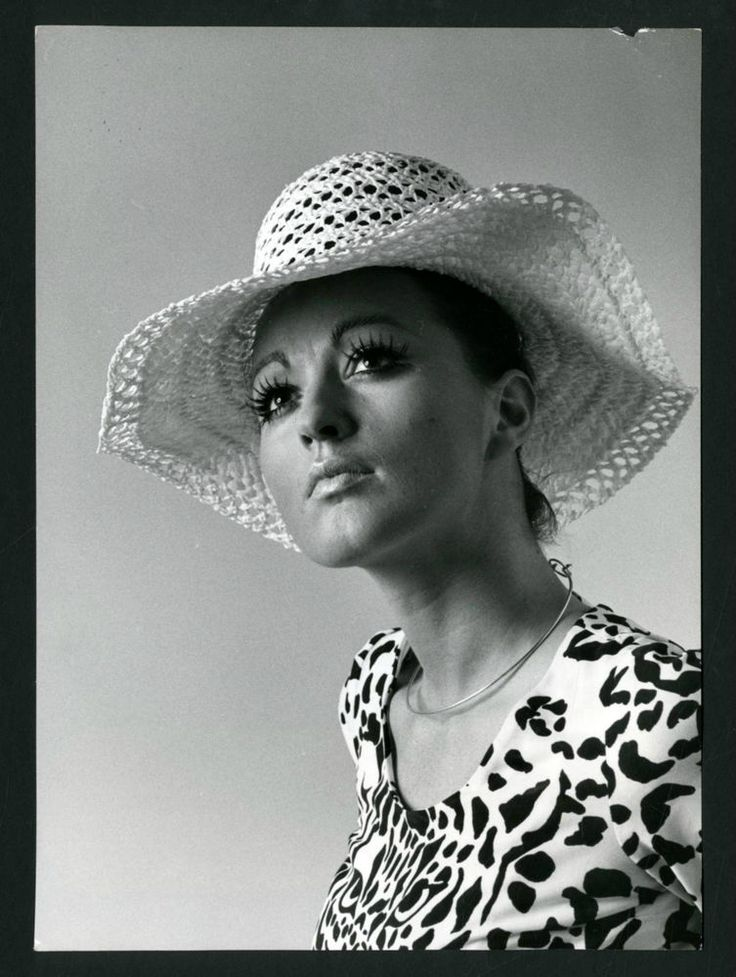 CAPPELLO DONNA-MODA VINTAGE-INVERNI-FIRENZE m50-FOTO D EPOCA/OLD PHOTO-ANNI 70