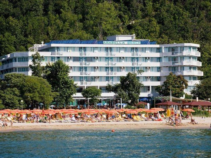 Hotel Arabela Beach 4* Albena - All Inclusive Facilitati hotel: piscina descoperita, restaurant principal, snack bar, lobby bar, club internet, minibar, salon de coafura, masaj, seif in fiecare camera, servicii de spalatorie si calcatorie, rent a car, schimb valutar. Internet in holul hotelului. http://www.ofertesejurbulgaria.ro/hotel/hotel-arabela-beach-albena/