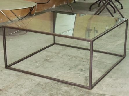 Mesa de centro cubo 2 hierro con cristal mesas de centro for Mesa cristal exterior