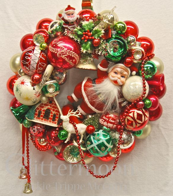 "I love this wreath - ""Santa's Greeting"" Wreath from Glittermoon Vintage Christmas"