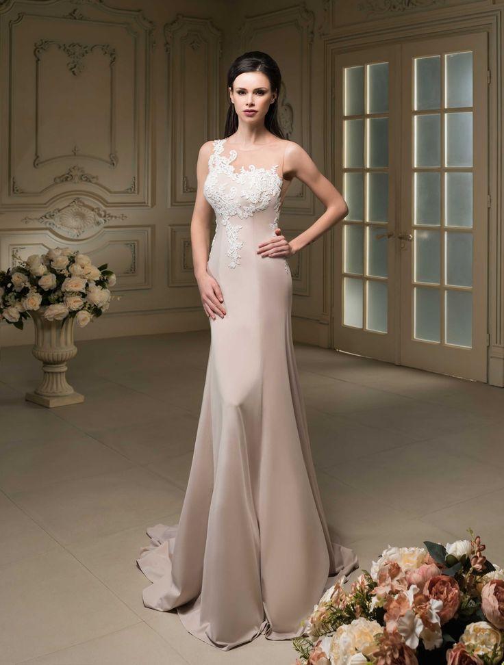 Krásne svadobné šaty zdobenou čipkou v štýle morská panna