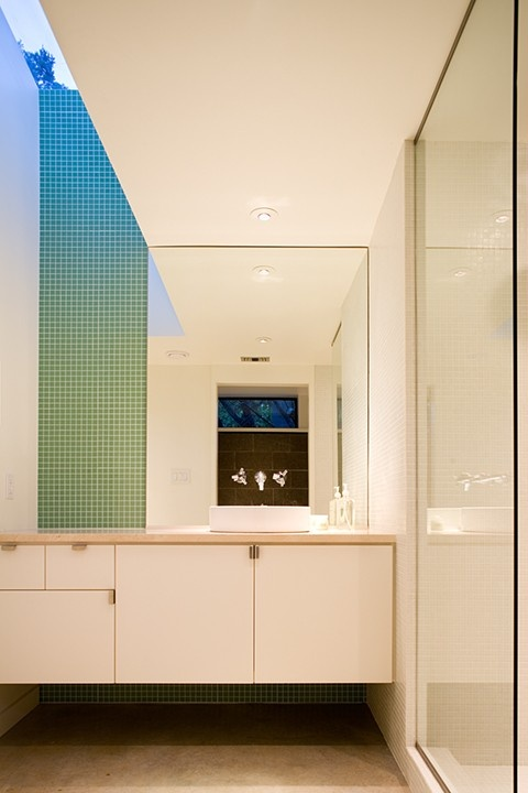 Gradation DEF: occurs with a gradual increase or decrease of an element of  design. WHY: The tile on the wall goes from blue and decreases down to a  green ...