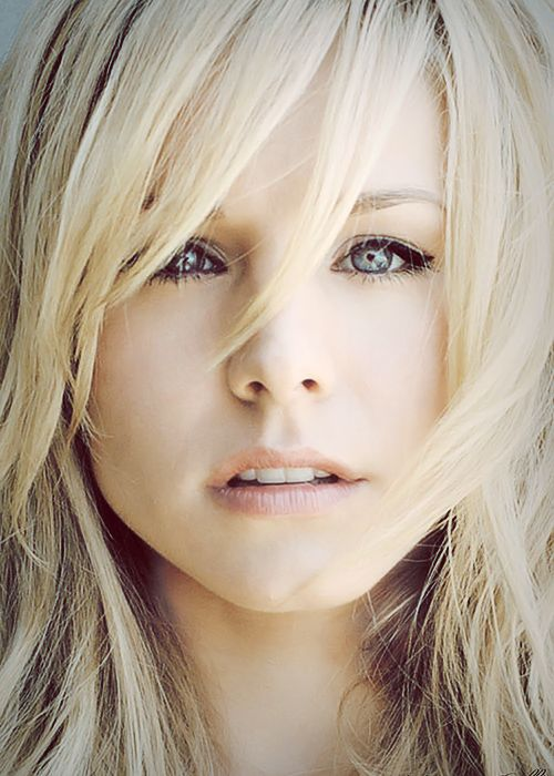 Kristen Bell serves as the inspiration for the heroine in HOW TO RUN WITH A NAKED WEREWOLF.   I can say nothing more!