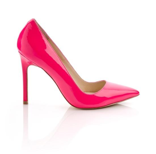 Hot pink pumps! Nice