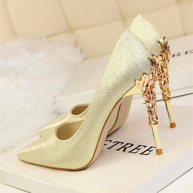 V brand women sandal high heel shoes rivets nude black wedding shoes pointed toe cow patent leather 6cm 8cm 10cm ,34-43 original box