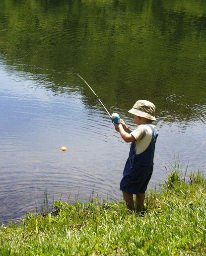 À Sherbrooke, pêchez en famille ! Faites découvrir à vos touts-petits cette activité !