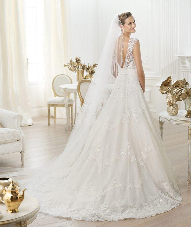 Pronovias vous présente la robe de mariée Lenit. Costura 2014.   Pronovias