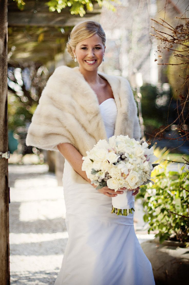 The fur wrap is so stunning! Love this idea for a winter wedding