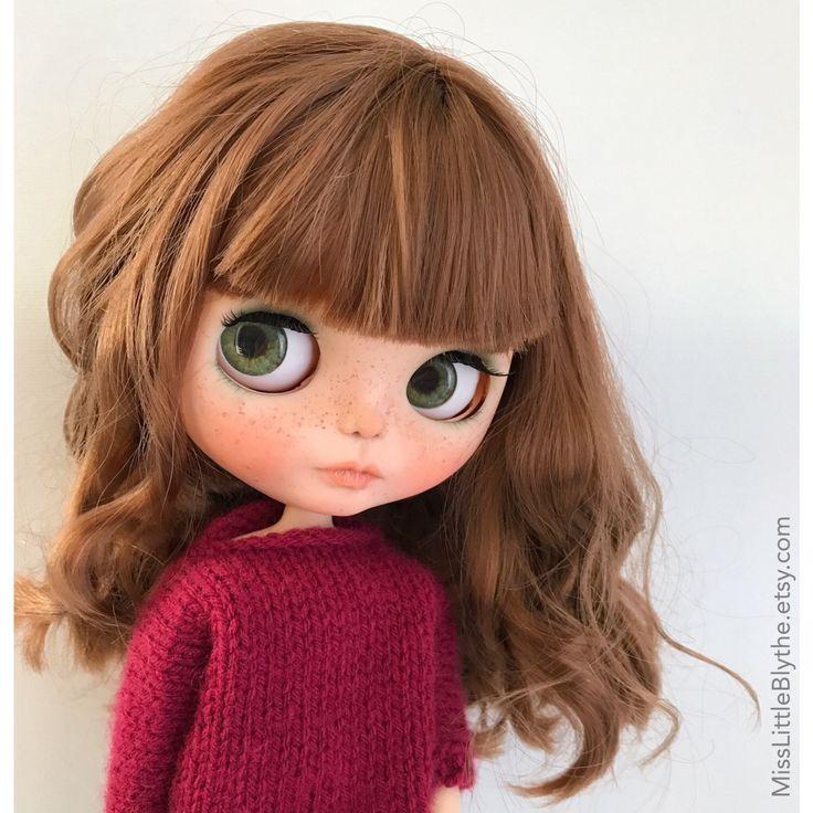 Un favorito personal de mi tienda Etsy https://www.etsy.com/es/listing/504781523/ooak-custom-blythe-doll-fake-greta