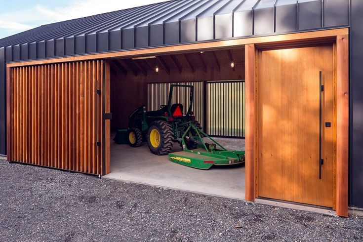 Elk Valley Tractor Shed, Hood River, 2014 - Fieldwork Design & Architecture